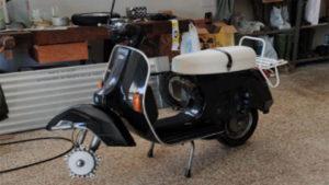 Montaggio ruota Vespa